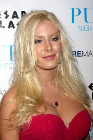Paris-Hilton-129-300x450.jpeg